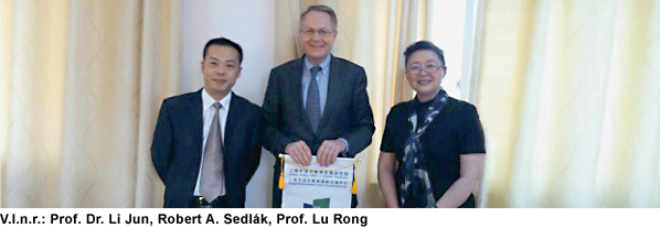 Robert A. Sedlák: Kooperation mit dem Shanghai Pudong Institute of Education Development